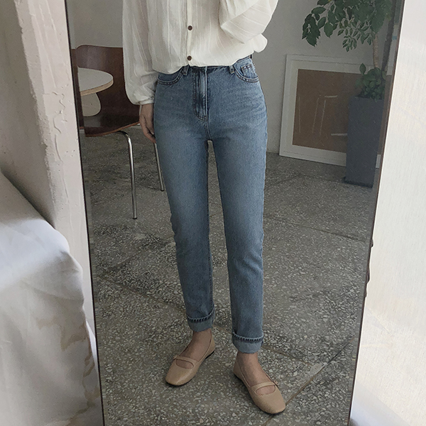 베이진 (denim pants)